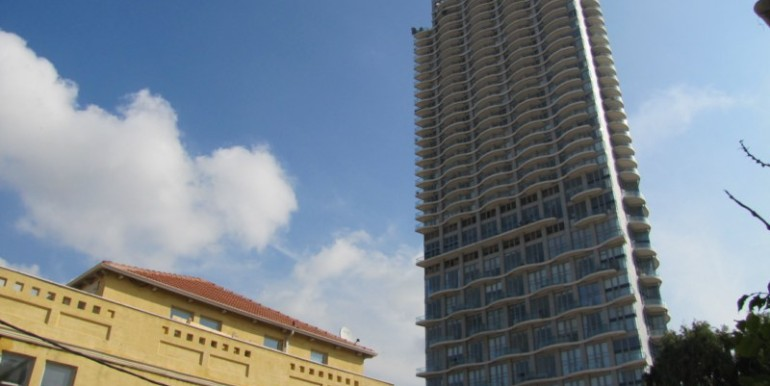 17 - building