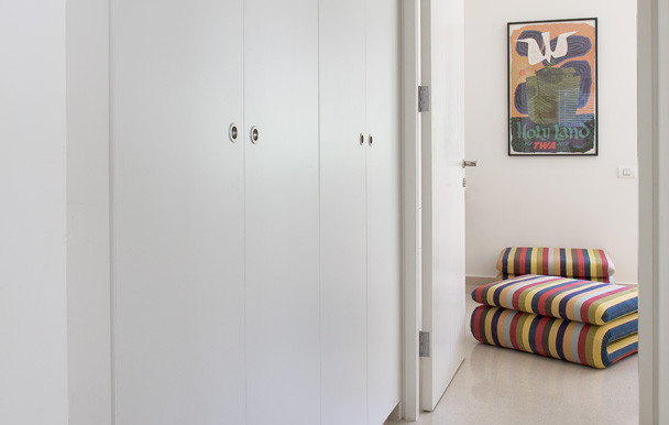 Corridor_Guest bedroom