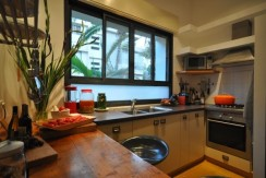 Uniquely Designed and Charming Apt with Private Garden in City Center