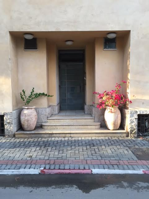 Private Patio in Neve Tsedek Duplex