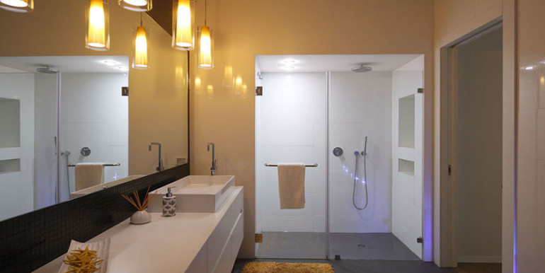 Netsach israel bathroom1