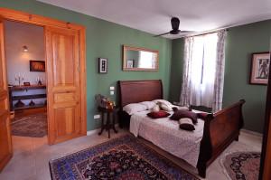 Reuveni St Bedroom
