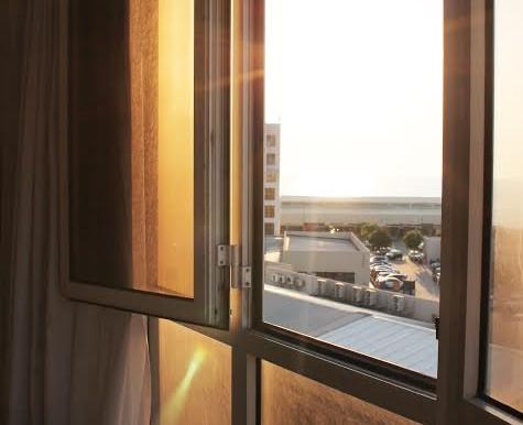 Dizengoff window