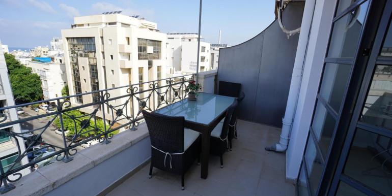 Ben Yehuda balcony
