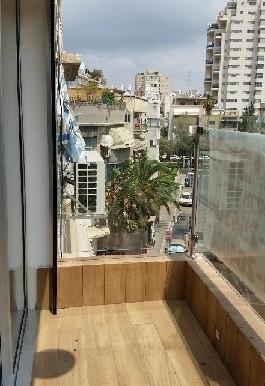 Gottlieb balcony1
