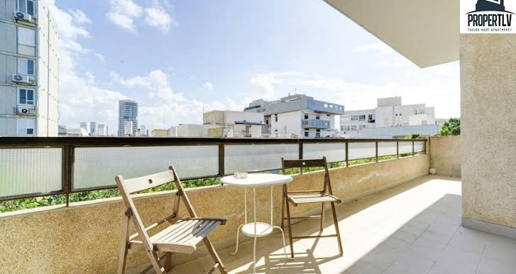 balcony 2