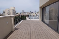 Habima area: Huge duplex with 4 bedrooms and 3 parkings