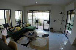 Kerem Hateimanim: 2 floor apartment with huge garden