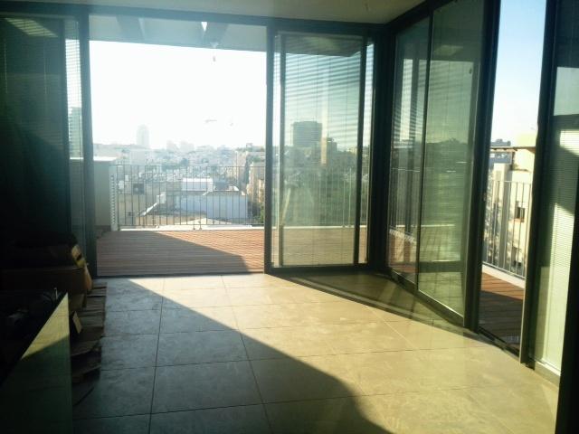 Brand New Duplex Penthouse in High Standard Tel Aviv Building