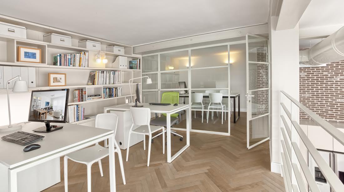 Smart House Loft Styled in Seaside Location
