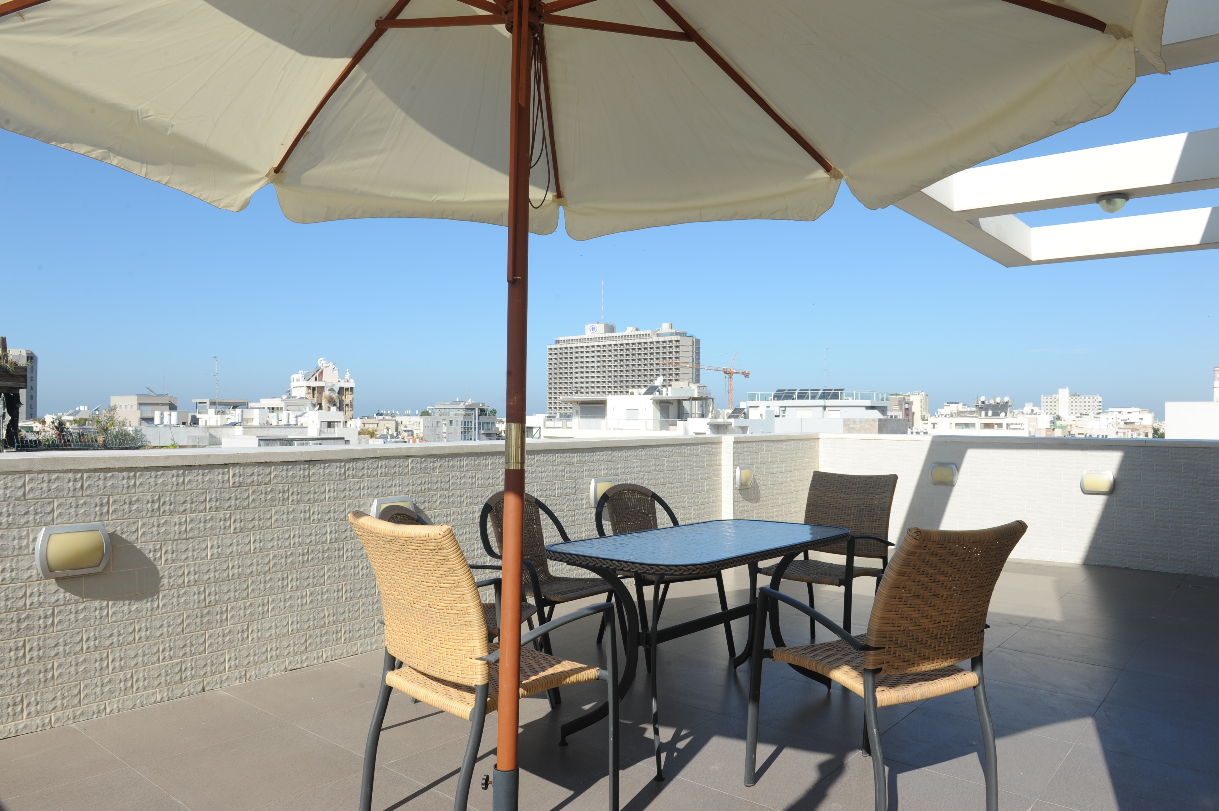 Fully Furnished Rooftop Penthouse in Seaside Location