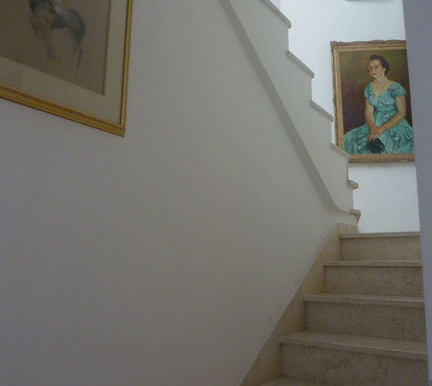Stair-way-to-second-floor