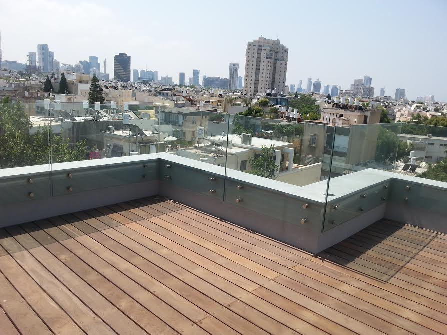 Architecturally Designed Apt with Rooftop Terrace