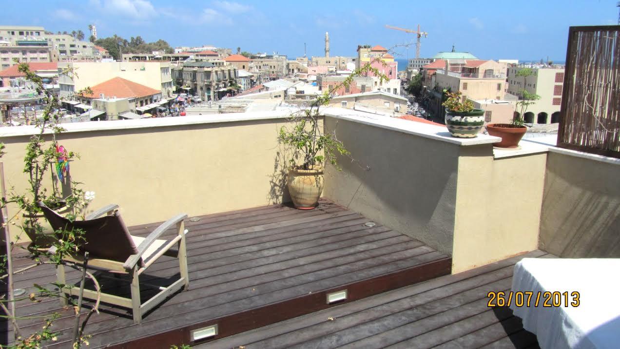 Duplex Rooftop Apt in Jaffa Flea Market Area
