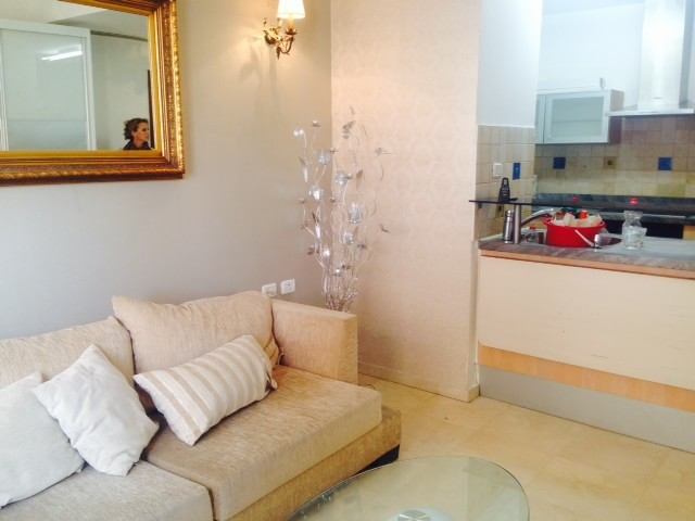 Semi Furnished Apt In Luxurious Building