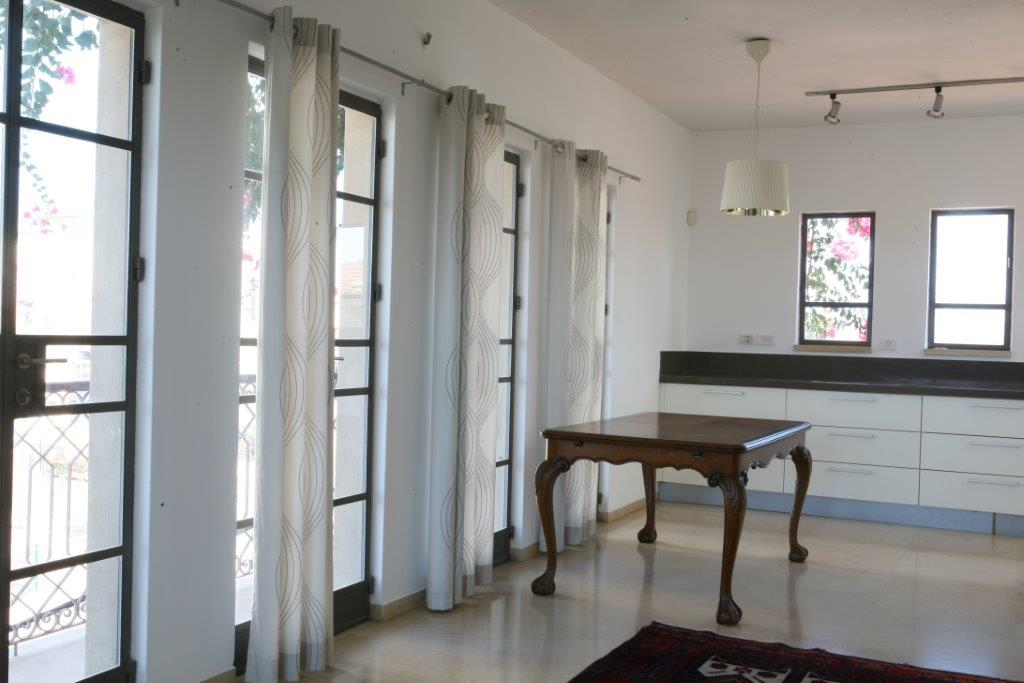 Architecturally Designed Rooftop Apt in Ajami