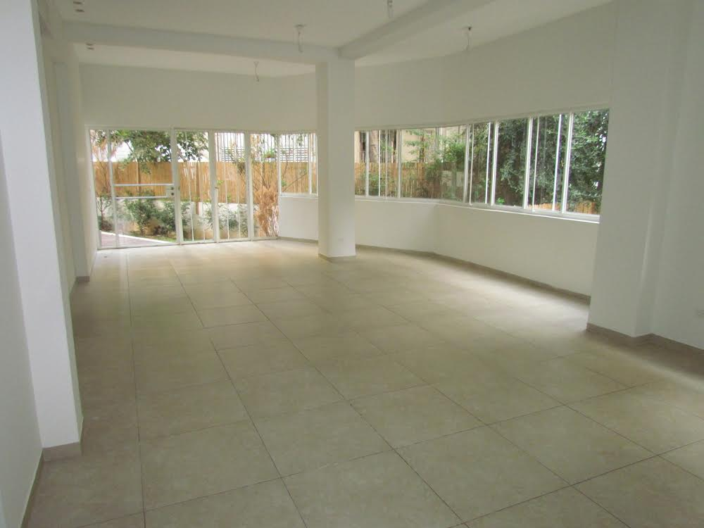 Charming Garden Apt With Private Patio