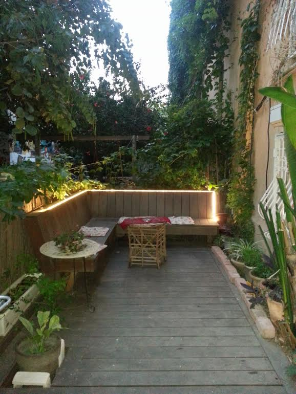 Cottage Styled Garden Apt With Private Patio