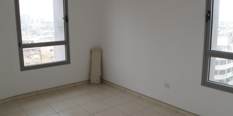 Neve Tzedek Tower Bedroom-min