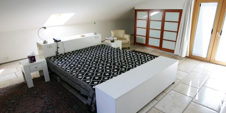 Louis pasteour bedroom1-min