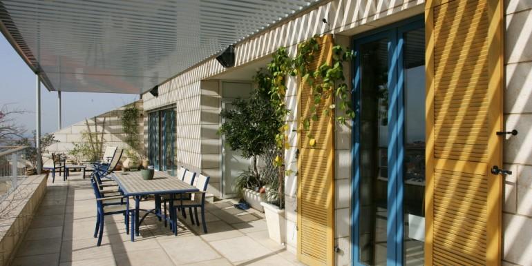 Louis pasteour terrace1-min