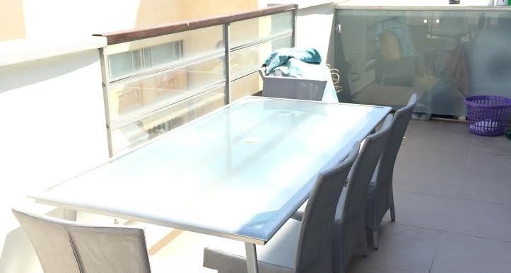 HaAri balcony1-min (1)