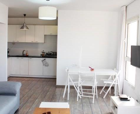Dizengoff living room11