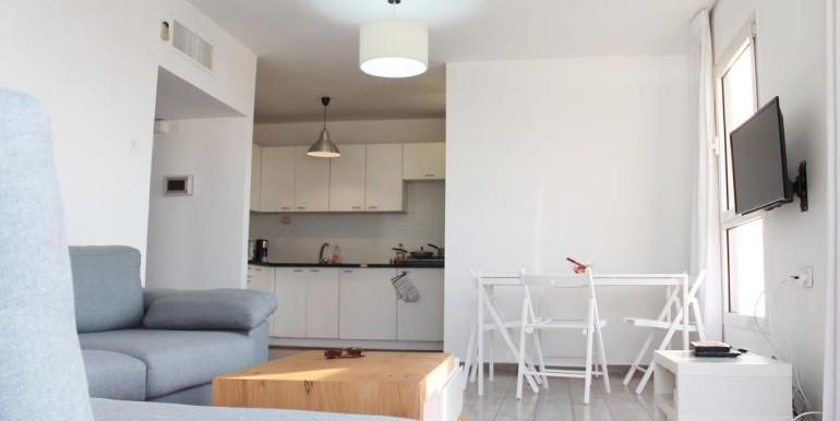 Dizengoff living room14