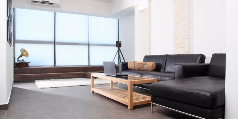 Ibn Gabirol living room2-min