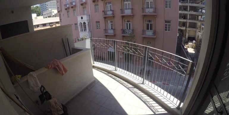 Ahad Ha'Am balcony-min