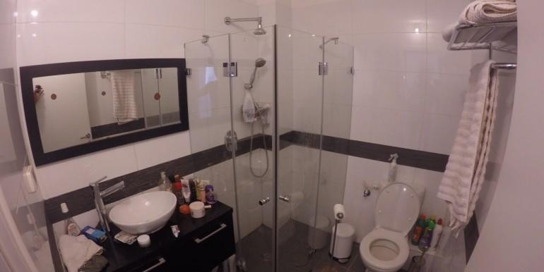 Ahad Ha'Am bathroom-min