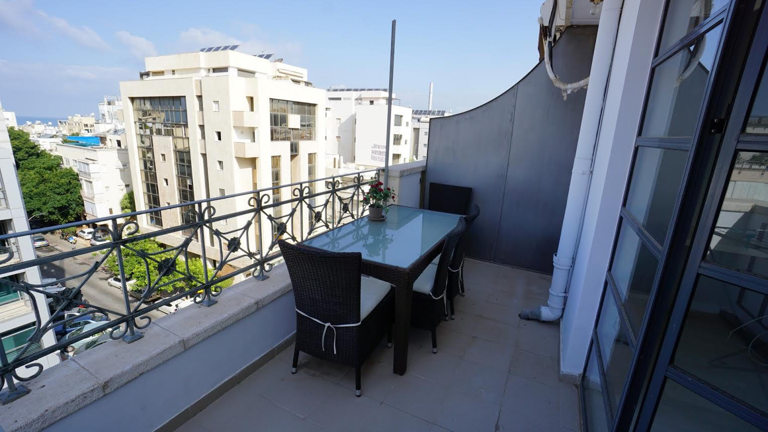 Duplex Apt With Private Rooftop And Sea Views In Prime Location
