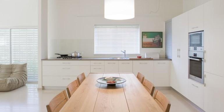 Eibeschuetz- kitchen