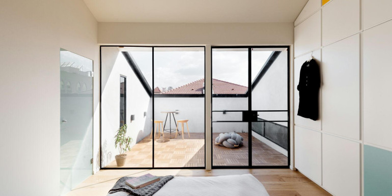 HaPninim bedroom1