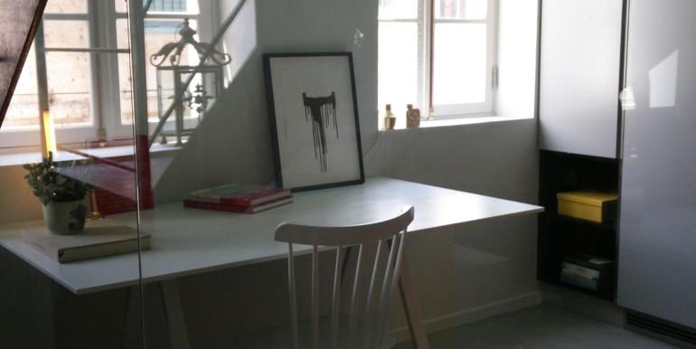 HaPninim desk