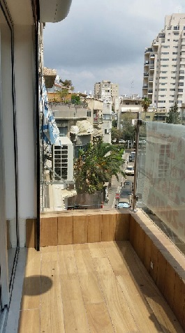 High Standard Apt On A Quiet Street In the City Center