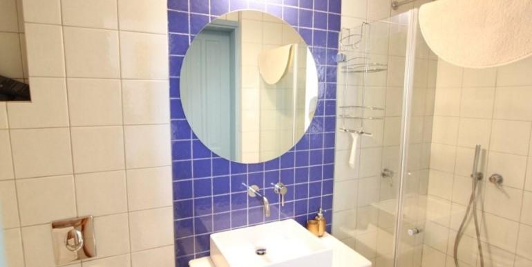 bathroom level 1