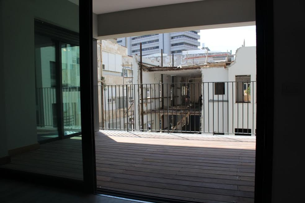 Brand New Apt in a New Building  in the Heart of the Tel Aviv
