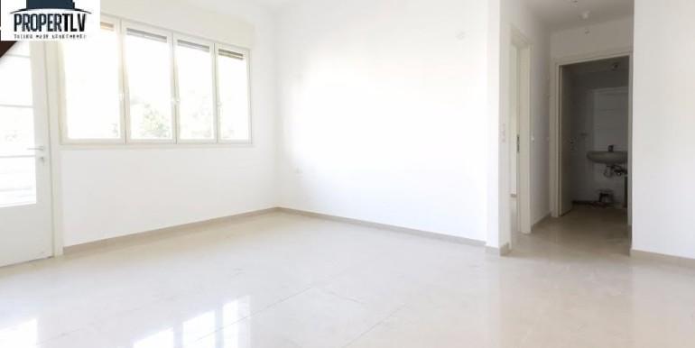 Allenby 138 living room