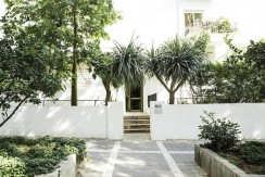 GORGEOUS 3 BR APT IN A PRESERVED BAUHAUS BUILDING NEAR THE BEACH