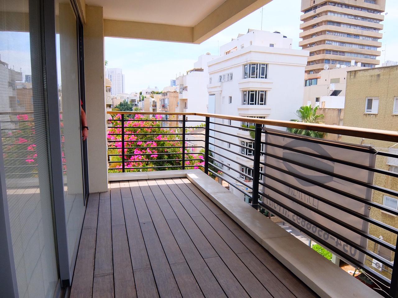 Habima area: Brand new 3 bedroom apartment