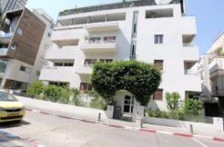 Unique 97m2 apartment in Bauhaus building