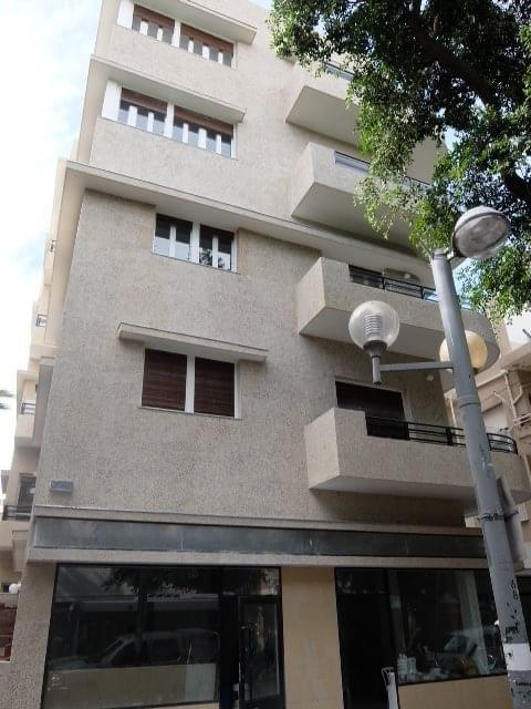 Perfect boutique 1 bedroom apartment with beautiful balcony by Frishman beach!
