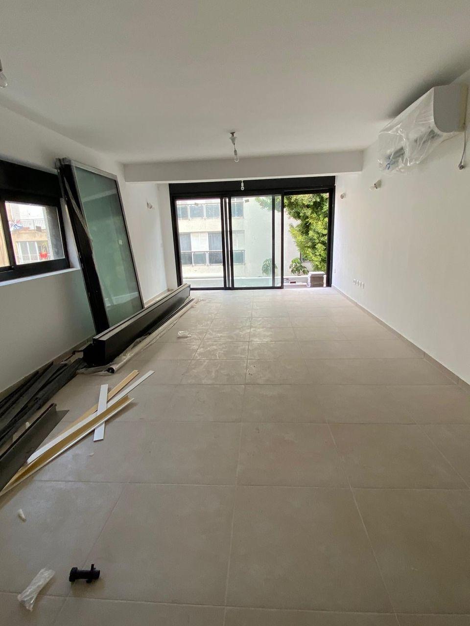 New 3 bedroom Apartment near Bograshov