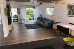 Beautiful Restored Four Story Apartment near Rothschild Blvd