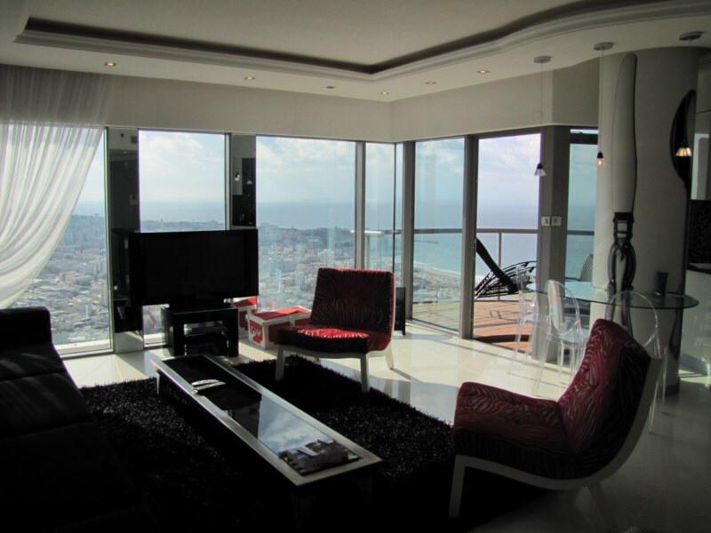 Beautiful Sea View Apartment in Neve Tzedek