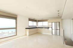 Beautiful Two Story Penthouse with Open Sea View on Hayarkon