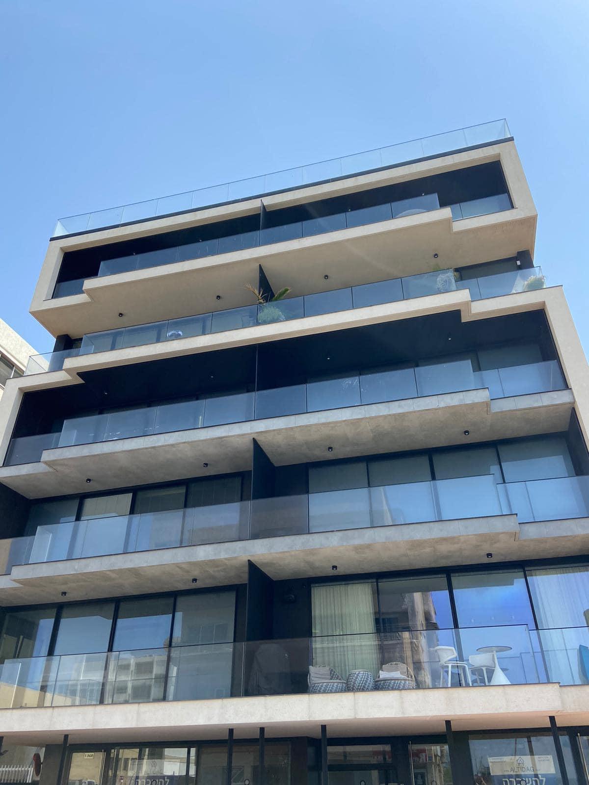 Fully Furnished New Modern Apartment on the Beach- Hayarkon
