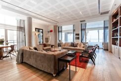Beautiful Apartment Sea Executive Suites on the Beach