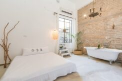 BEAUTIFUL AND STYLEIST DESIGNED LOFT WITH A BALCONY IN THE DESIRABLE FLORENTIN STREET